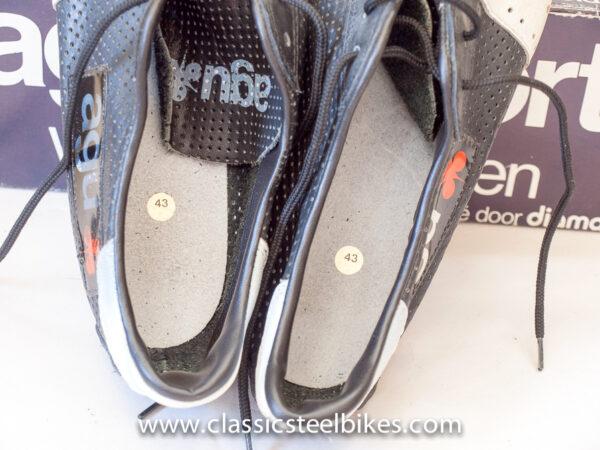 AGU Cycling Shoes size 43