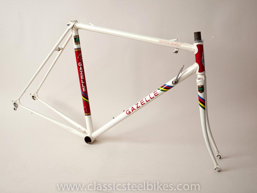 Gazelle Champion Mondial AA-Special Size 54ct