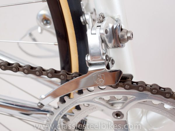https://www.classicsteelbikes.com/wp-content/uploads/2019/01/Eddy-Merckx-Campagnolo-C-Record-1-2.jpg