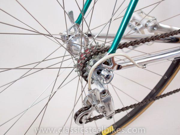 https://www.classicsteelbikes.com/wp-content/uploads/2019/01/Eddy-Merckx-Campagnolo-C-Record-5-2.jpg