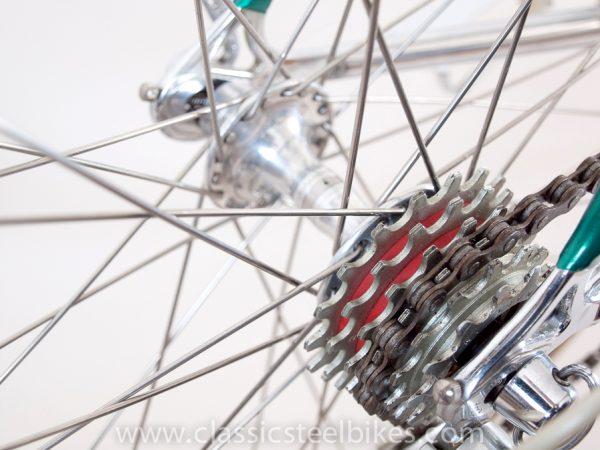 https://www.classicsteelbikes.com/wp-content/uploads/2019/01/Eddy-Merckx-Campagnolo-C-Record-6-2.jpg